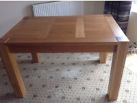 Solid Light Oak Dining Table £50 no marks or damage.