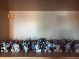 Blue nose friends collection in ceramics 30 pieces and are all in excellent condition.
