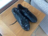 Junior size 4footbal boots