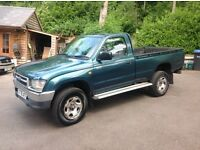 Toyota hilux 4x4 truck 2000/x diesel new mot drives superb.