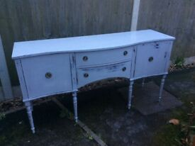 IMPRESSIVE DISTRESSED VINTAGE CURVED BUFFET REPRODUCTION SIDEBOARD - COLOUR FLINT