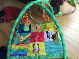 Baby play mat play gym, great condition only 6 months old