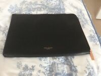 Ted baker 11ch laptop wallet