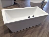 Brand new white modern complete bathroom suite with shower tray and enclosure, all fittings,taps ect