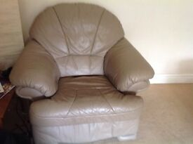 LEATHER ARMCHAIR QUICK SALE