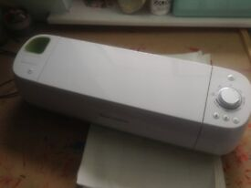 Cricut Machine - comes with carrier bag and deep cut blade £200 or best offer