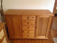 Sideboard cabinet with multiple drawers