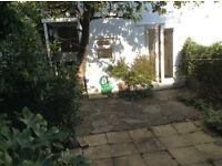 One Bed Garden Flat, open fire, en-suit wet room