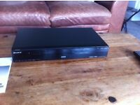 Sony Video Player and Recorder - RDR DC100 with remote controller and User Guide