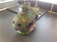 Fish tank submarine ornament