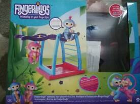 Fingerlings blue and pink monkey playset