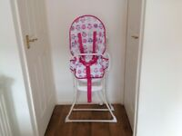 CHILDS HIGH CHAIR IN EXCELLENT CONDITION