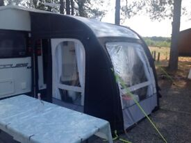 Kampa air pro 200 with curtains and hand pump only used twice carpet included