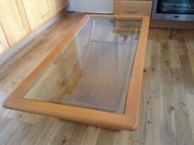 Top end stunning glass contempory lounge / coffee table