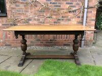 Solid oak Old Charm dining table & 4 chairs