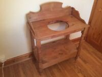 OLD PINE WASHSTAND