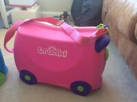 Trunki Bright Pink hard shell pull along suitcase