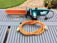 "Makita 16"" Electric saw with tools and oil"
