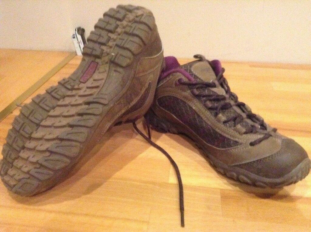 Regatta walking shoes size 7