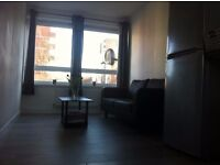 Large double room near the station bills included