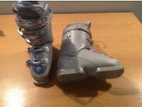 Teenage Girl / Ladies Ski Boots - Head 'Dream Thang 9' - Intermediate / Beginner (Size 220/225)