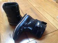Girls Size 2 Snow Boots - Rubber Duck Brand BLACK PATENT