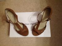 Ladies platform sandles, brand new, never worn.