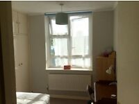 A room near Clapham Junction to let