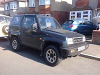 4x4 1600cc petrol engine, Daihatsu Sportrak, full or part time 4x4, removeable roof, full set alloys