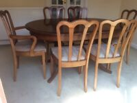 Meredew Extendable oval dining table & chairs