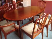 Mahogany extendable dining table plus 6 chairs