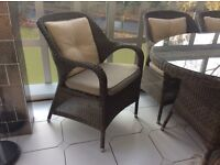 Garden furniture set. 6 chairs and table. VERY GOOD CONDITION