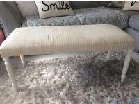 Grey & Cream Chaises lounge
