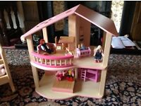 Dolls house and contents as new made by pintoy £35 can deliver if local call. 07812980350