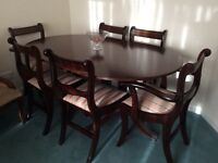 Beautiful Classic Dining Table & 6 Chairs
