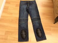 Motorbike jeans with Kevlar lining and knee protection