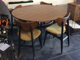 Perfect dining table and chairs for up cycling