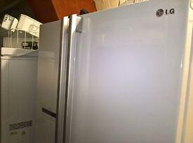 White LG American fridge freezer......Mint free delivery