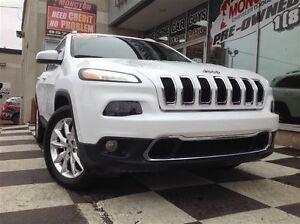 2016 Jeep Cherokee Limited/ Heated Leather Seats and Wheel/ Back
