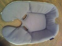 New Baby Insert for the Maxi Cosi Car seat hardly used £30 Collect Maida Vale W(