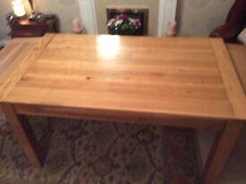Oak dinning table extendable