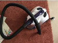 This is a cleaner vacuum with accessories
