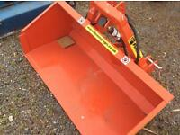 New Fleming 4 Ft hydraulic tip transport box for compact tractor