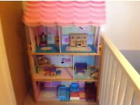 Large Dolls House - Immaculate condition - Dolls, Clothes, Furniture