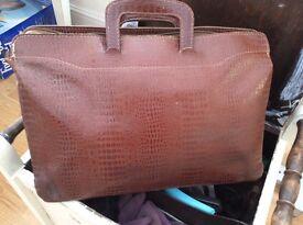 Vintage brown leather bag-briefca