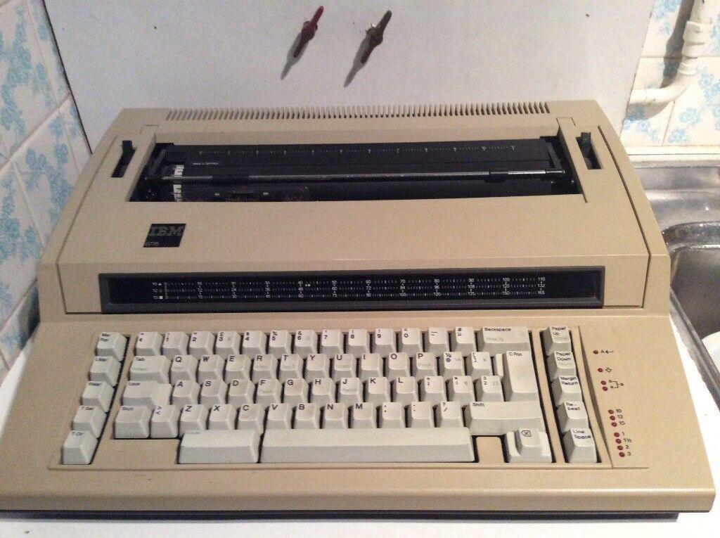 IBM Actionwriter 6715 Electronic Typewriter