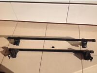 Thule roof bars kit: SquareBars with feet type 754, key included.