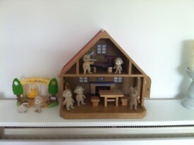 SYLVANIAN HOUSE FURNITURE AND 7 FIGURES