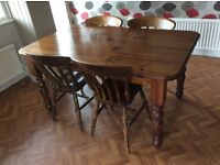 Farmhouse kitchen table and four chairs in excellent condtion