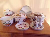ROYAL WORCESTER EVESHAM, 10 PIECES ALL AS NEW CONDITION, NEVER USED. £60.
